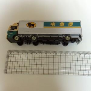 クロネコヤマトミニカー・10tトラック サイズ